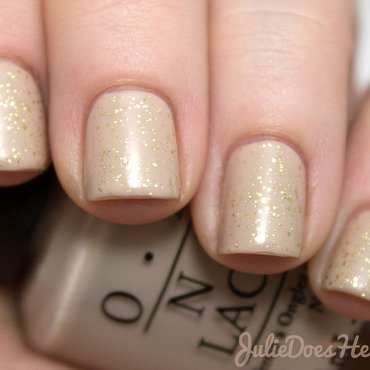 Matte Nude Glitter Nails nail art by Julie