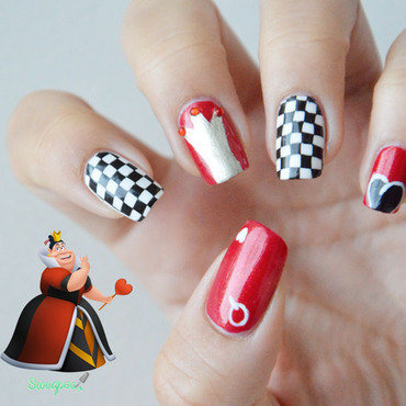 Queen of hearts nail art by Sweapee