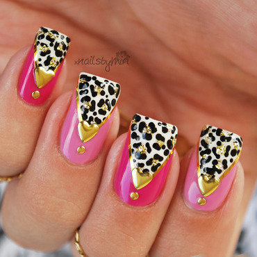 Pink Golden Panthers nail art by xNailsByMiri