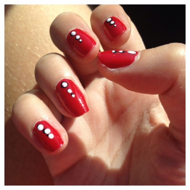 RED WITH DOTS nail art by Dju Nails