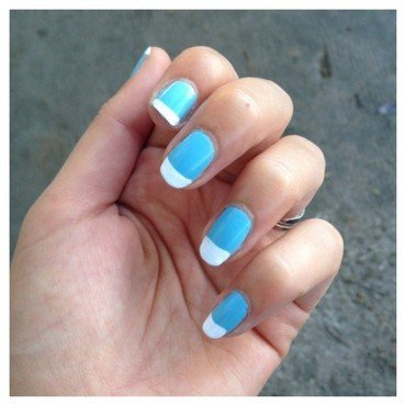 FRENCH BICOLORE TURQUOISE ET BLANCHE nail art by Dju Nails