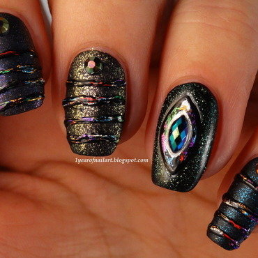 Metallic sugar spun nails nail art by Margriet Sijperda