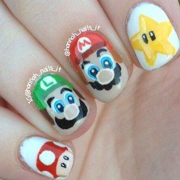 Super Mario Bros nail art by Hannah