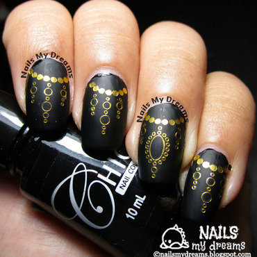 Black and Gold Nails nail art by Kat of NailsMyDreams