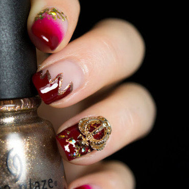 Crown Charm nail art by  Petra  - Blingfinger