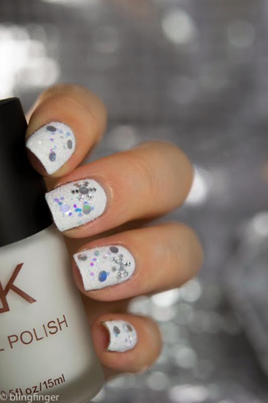 Snow Nails nail art by  Petra  - Blingfinger