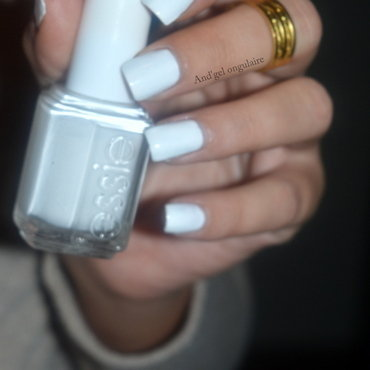Essie Blanc (1) Swatch by And'gel ongulaire