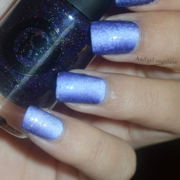 Gradient Purple £ White nail art by And'gel ongulaire