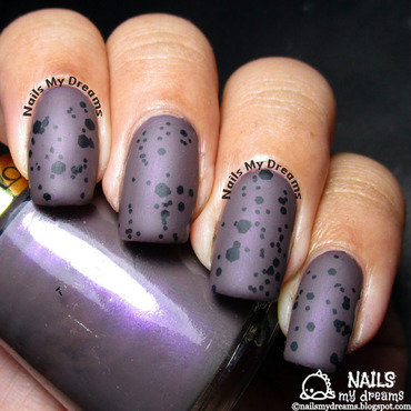 Dark purple speckled nails thumb370f