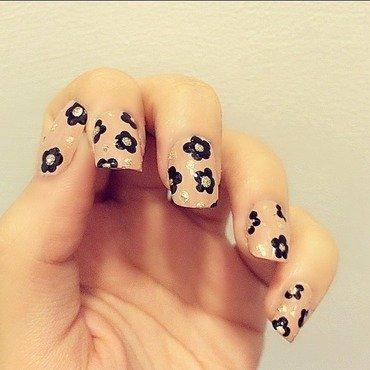 Nude Floral Mani nail art by NailGals