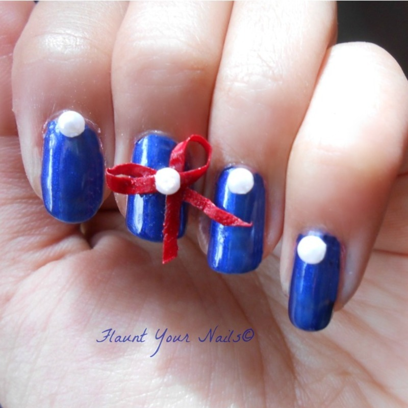 Nautical Nails nail art by Vidula Kulkarni
