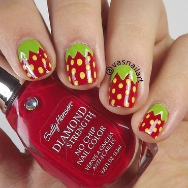 Strawberry nail art by  Vanesa