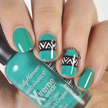 Green Tribal nail art by  Vanesa