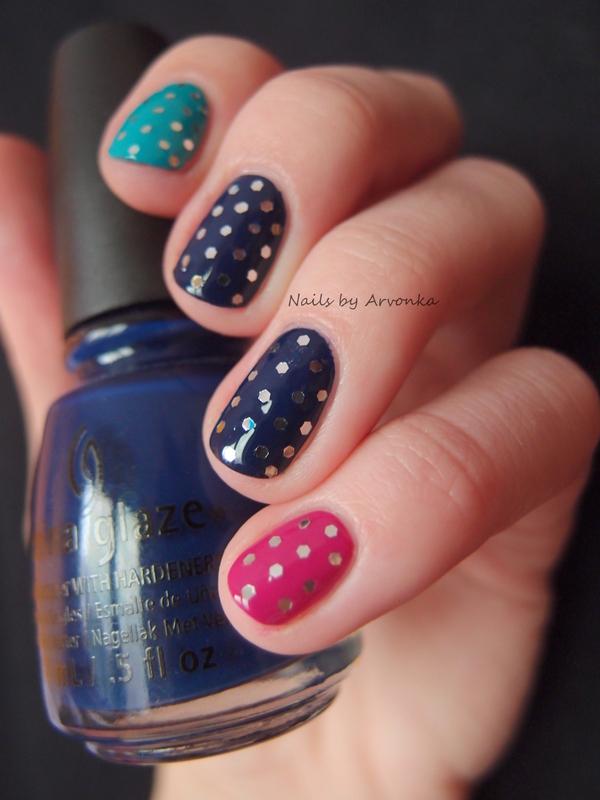 Glitter Dots nail art by Veronika Sovcikova