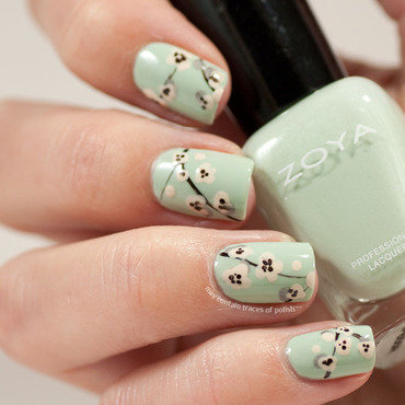 Easy flower on a steam look nail art by Zara TracesOfPolish