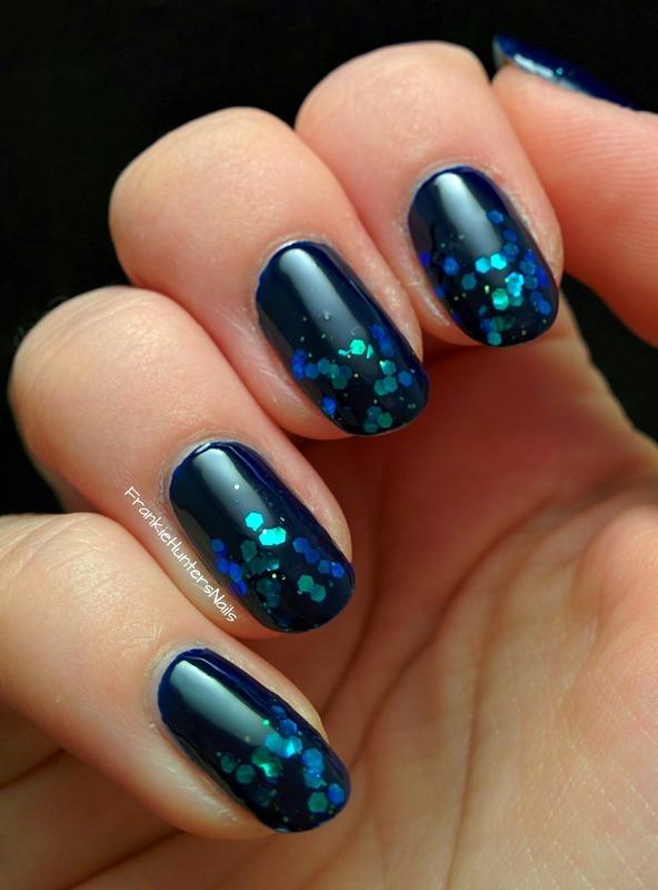 Fairy Pond Glitter Mani nail art by Franziska FrankieHuntersNails