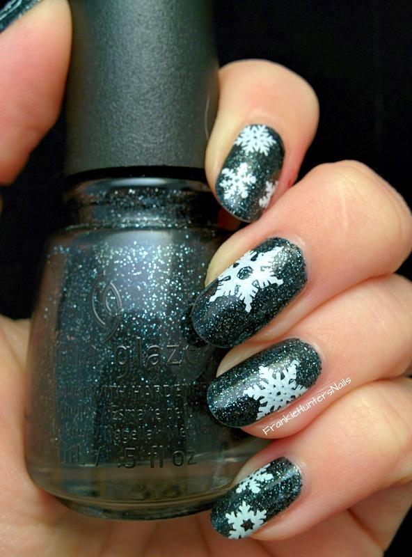 Wintery stamping (opposite hand) nail art by Franziska FrankieHuntersNails