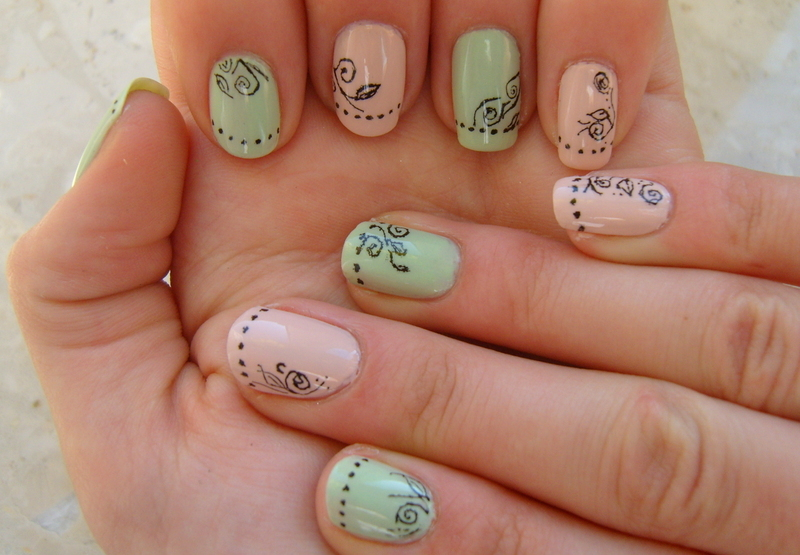 Pastel flower ;)  nail art by Lakierowniczka