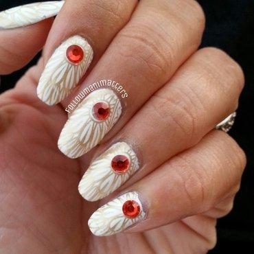 White and gold pattern nail art nail art by Manisha Manimatters