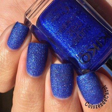 Blue Texture nail art by Carolina Garcia
