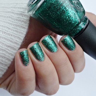 China Glaze Pine-ing For Glitter Swatch by Romana
