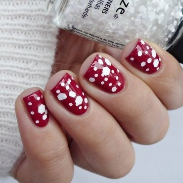 China Glaze Tip Your Hat and China Glaze Chillin' With My Snow-mies Swatch by Romana