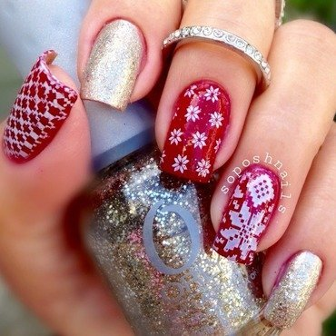 Christmas Sweater Skittlette Nails nail art by Debbie