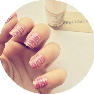 Drag lines nail art by NailGals