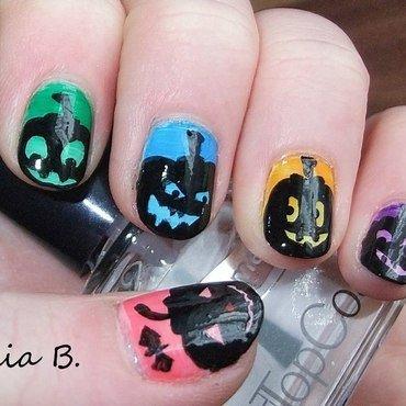 funny Halloween Pumpkins nail art by Iulia