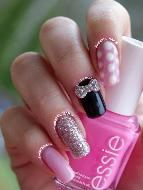 Pink&Black nail art by Paula215. NAILS