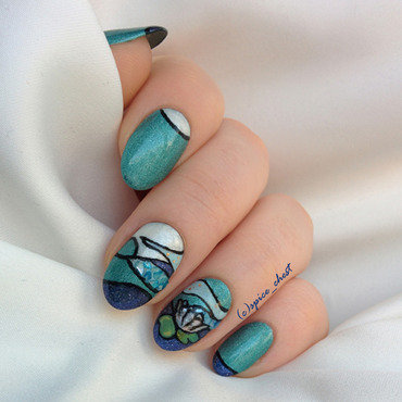 Art-deco waterlily nail art by Svetlana