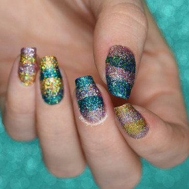 Insane holo glitter scaled gradient nail art by simplynailogical