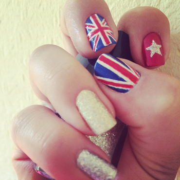 Union Jack nail art by The_Roadrunner