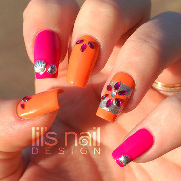 The Warm Feeling nail art by Lily-Jane Verezen