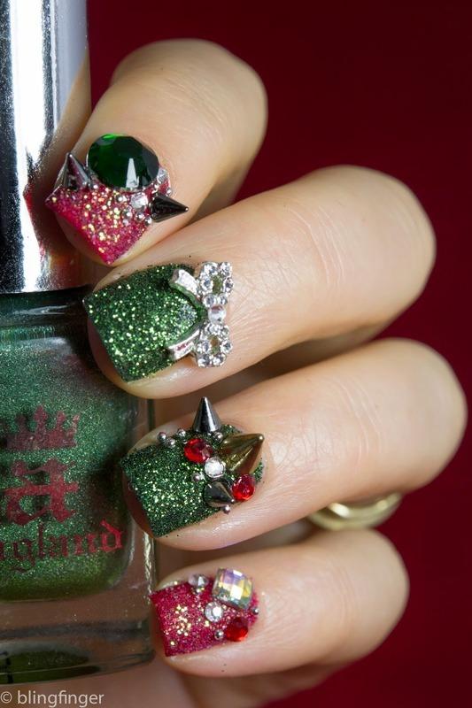 Christmas Bling nail art by  Petra  - Blingfinger