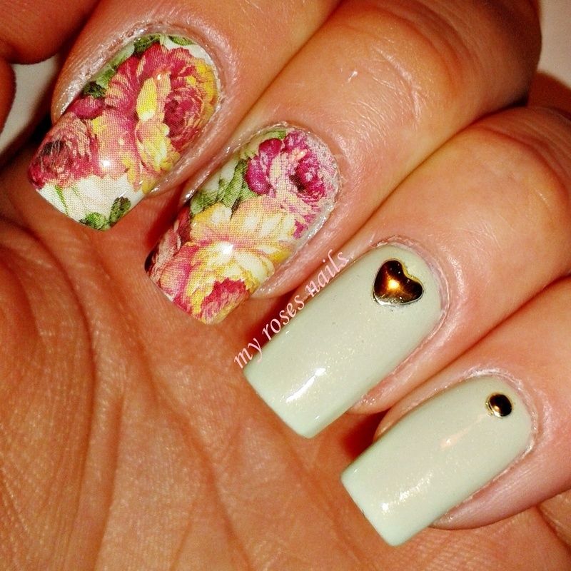 Floral pattern water stickers nail art by Ewa