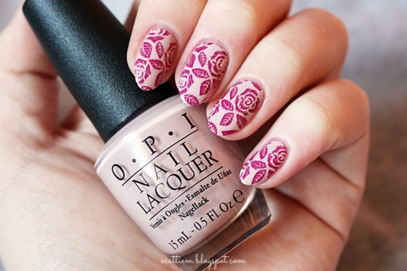 CLARET-COLOURED ROSES nail art by ecattiem