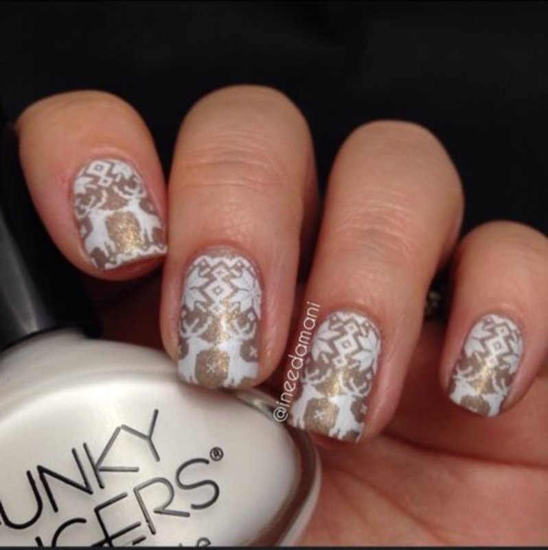 gold and white christmas sweater nails nail art by carmen ineedamani - White Christmas Nails