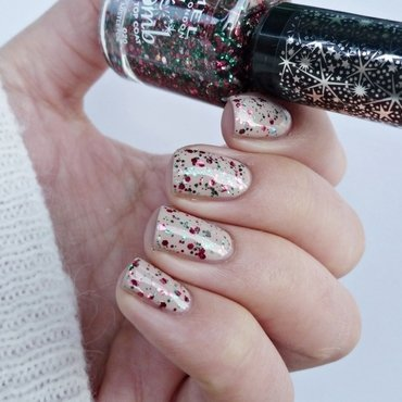 Miss Sporty 031 and Rimmel Glitter Bomb 020 Midnight Mistletoe Swatch by Romana