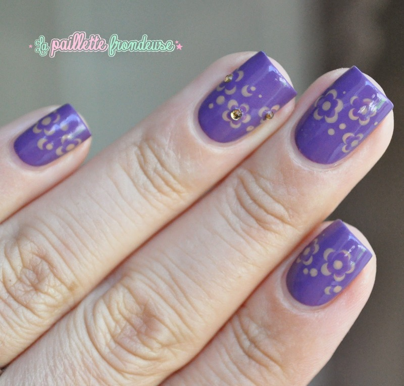 muted flowers nail art by nathalie lapaillettefrondeuse