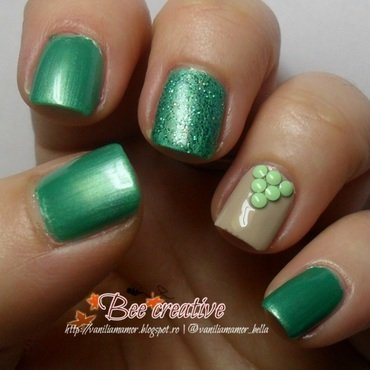 Emerald green nail art by Isabella