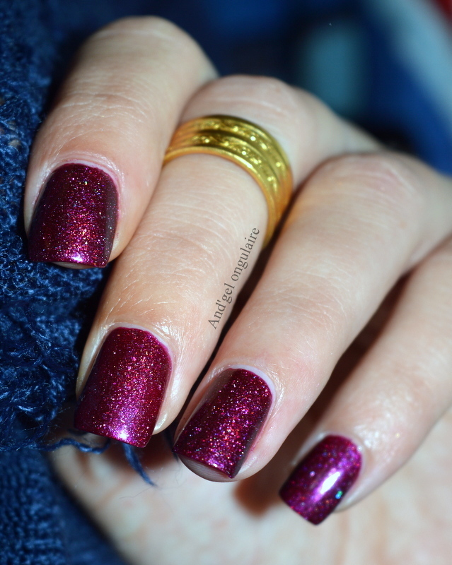 Il était un vernis Beyond Words Swatch by And'gel ongulaire