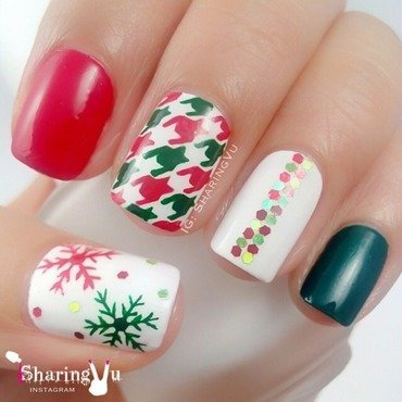 ❤️❄️ Houndstooth + Snowflake ❄️💚 nail art by SharingVu