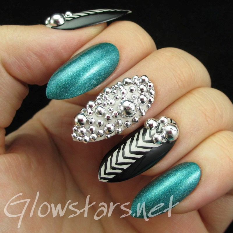 Feat Born Pretty Store silver round nail art decorations nail art by Vic 'Glowstars' Pires