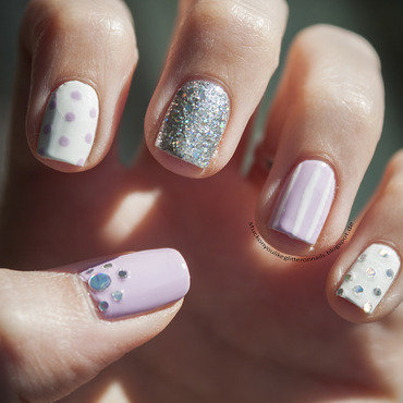 lilac meets silver glitter nail art by Jule