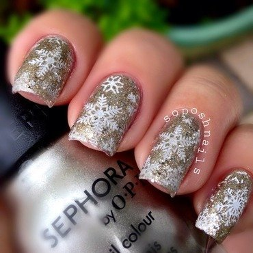 Snowflakes and Champagne Glitter nail art by Debbie