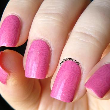 Holo roses nail art by Ewlyn