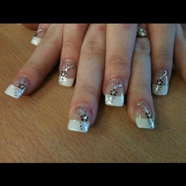 Flowers nail art by Tiger Carla