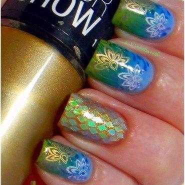 Floral design nail art by Yami