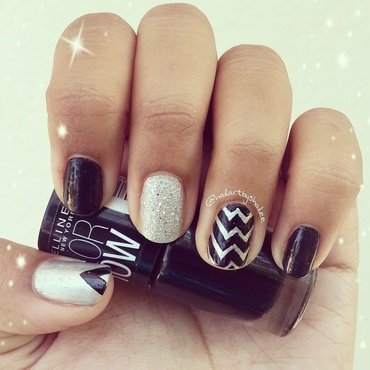 Chevron nails with glitter nail art by Shailee